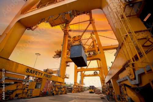 Leinwanddruck Bild container operation in port series