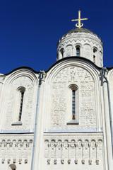 Белокаменный Дмитриевский собор во Владимире.