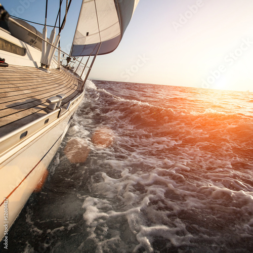 Sailing in Greece © De Visu