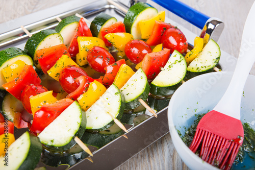 Vegetable skewers with tomato, pepper and zucchini