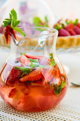 summer drink strawbwrry
