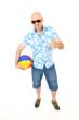 Mann mit Wasserball in arroganter Pose