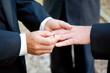 Leinwanddruck Bild - Gay Wedding Exchanging Rings