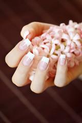 Fingernägel mit Hyazinthen