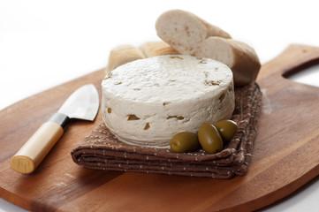 caciotta con olive