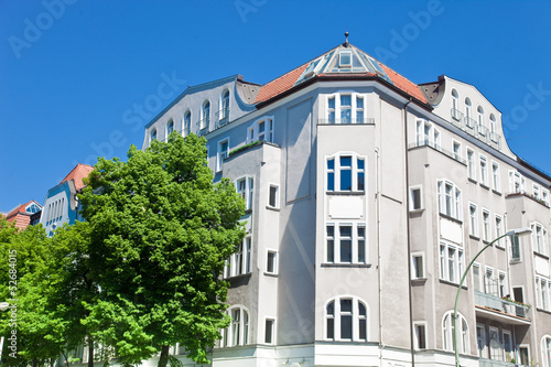 fototapete eckhaus in berlin altbau fototapeten aufkleber poster leinwandbilder. Black Bedroom Furniture Sets. Home Design Ideas
