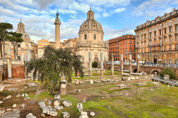 Trojan's column and Santa Maria di Loreto church.