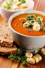 Fresh Tomato and Cauliflower Soup