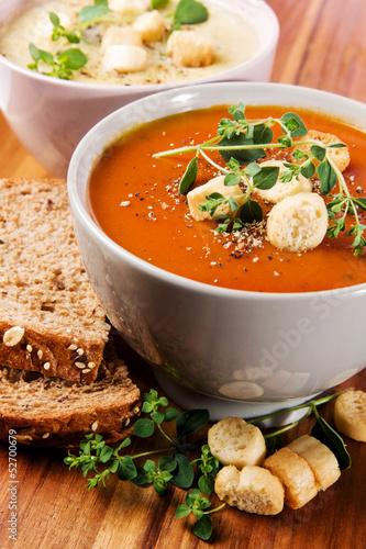 Fresh Tomato and Cauliflower Soup