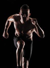 Hombre atleta corredor ejercitando.