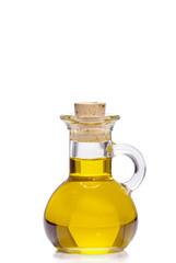 Kleine Flasche Olivenöl isoliert vor weißem Hintergrund