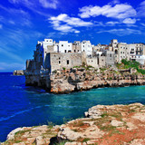 travel inItaly series - Polignano al mare, town on rocks