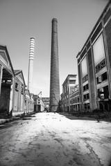 impianto industriale abbandonato