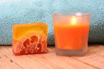 Handtuch, Kerze und Seife