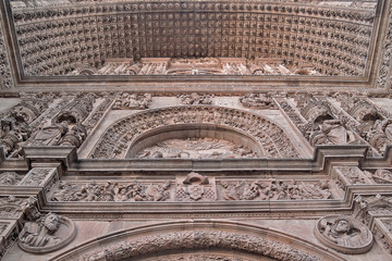 Salamanca old cathedral entry