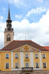Rathaus und Stadtpfarrkirche von Bruck an der Mur