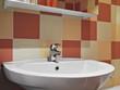 rubinetto per il lavandino di un bagno moderno