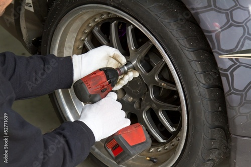 Changing a wheel