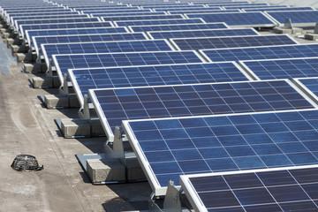 Photovoltaikanlage auf einem Dach in Deutschland