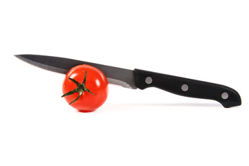 tomatoe and knife