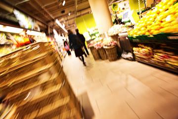 Zügiger Einkauf im Supermarkt