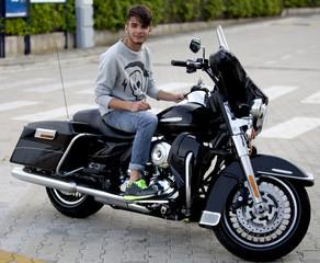 Ragazzo sulla moto