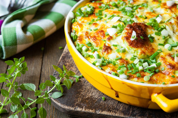 zucchini baked with cheese sauce