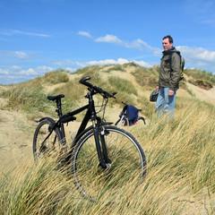 Radfahrer im Urlaub an der Nordseee