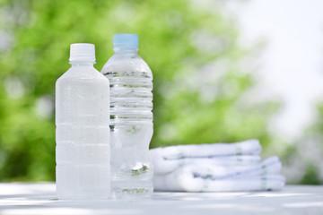 ペットボトルの水