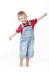Kind mit ausgestreckten Händen