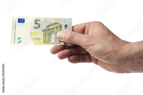 Hand hält neuen Fünf Euro Schein, isoliert