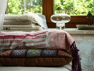 Kissen und Decken in einem Landhaus bei Rottenbuch
