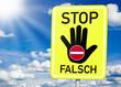 Schild mit Falschfahrer