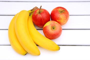 Äpfel und Bananen