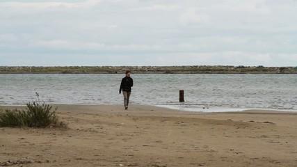 jeune sur la plage