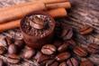 Kaffeepraline,  Zimt und Kaffeebohnen