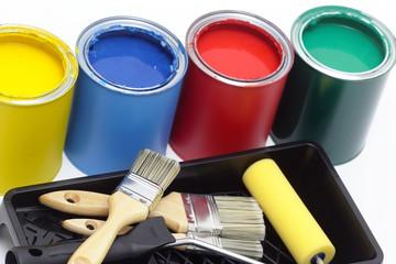 Malerrolle, Pinsel mit bunten Farbdosen