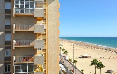 Apartamentos turísticos, playa Victoria, Cádiz