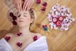 Junge hübsche Frau bei entspannungs Massage
