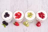 Owocowe jogurty - 52883231
