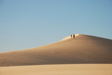 abendliche Wanderung in Wüste