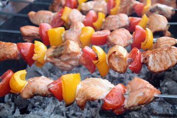 Shashlik with salmon, yellow pepper and tomato