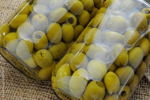 Olive verdi denocciolate in barattolo