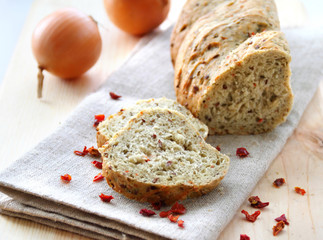 Bread with onion, paprika, cumin and dill