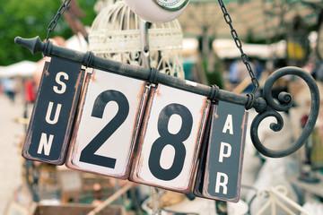 Old perpetual calendar