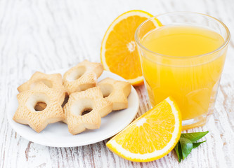 Orange juice and cookies