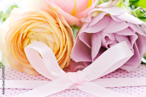 roses with bow