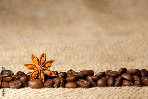 Coffee and Star Anise on sackcloth background with copyspace|52925225