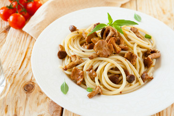 spaghetti with roasted wild mushrooms
