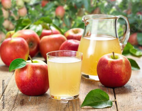 Leinwandbild Motiv Apfelsaft